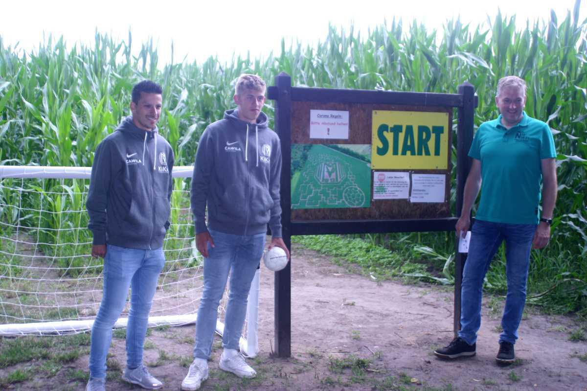 UPDATE: Spieler des SV Meppen eröffnen das Maislabyrinth 2021