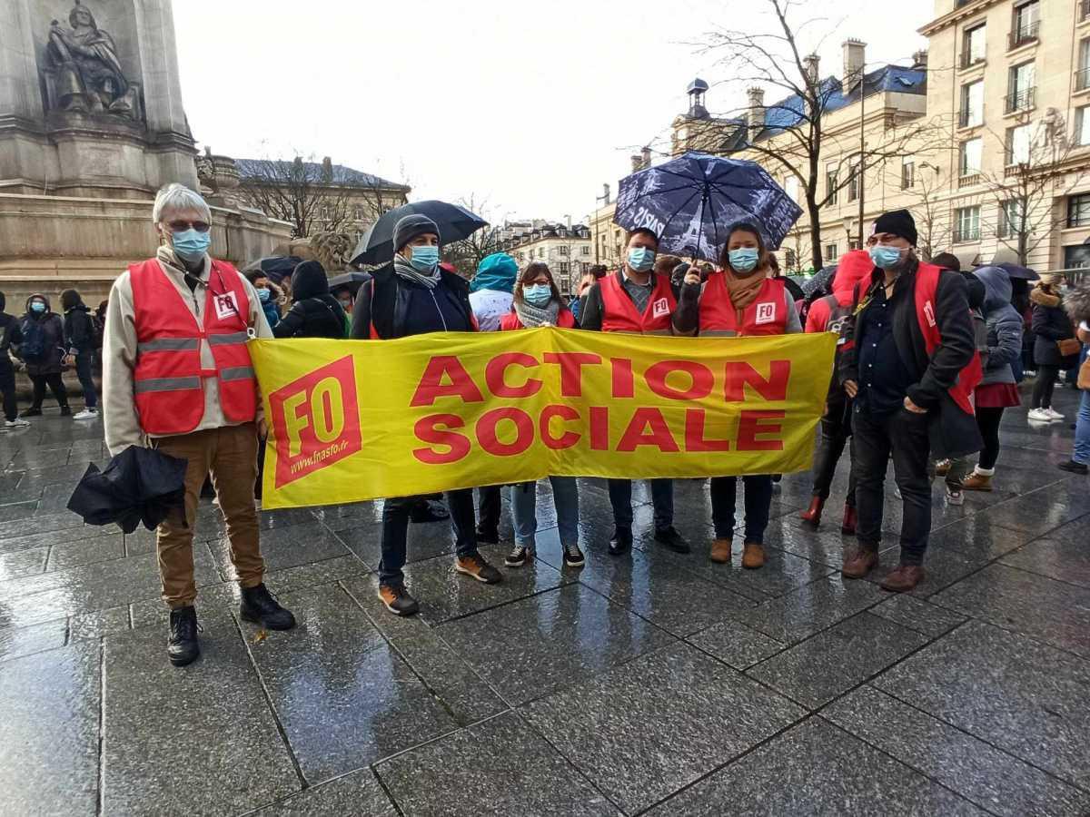 Grève dans les crèches : les salariés ne veulent pas d'« usines à bébés »