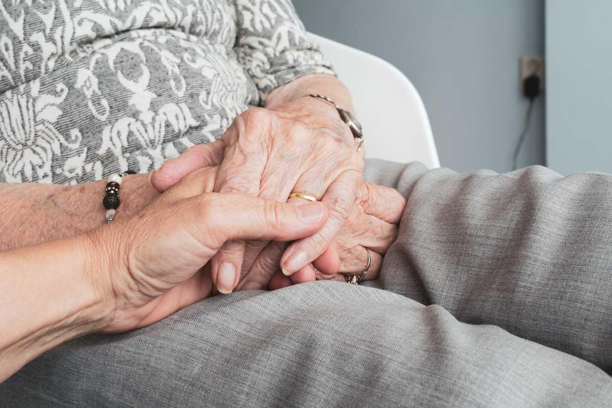 La CNRACL soutient la prévention des risques professionnels dans l'aide à domicile