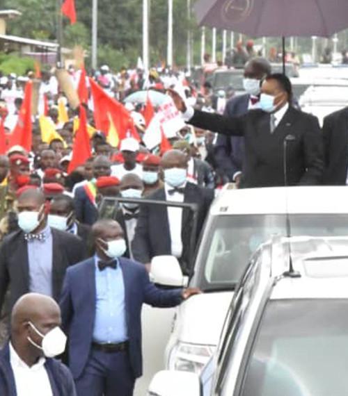 Denis SASSOU Nguesso accueilli dans la liesse à Djambala