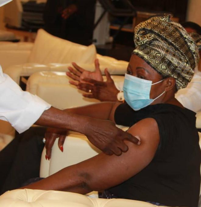 Covid-19. Denis SASSOU NGuesso reçoit sa 1ère dose de vaccin et lance la campagne nationale de vaccination