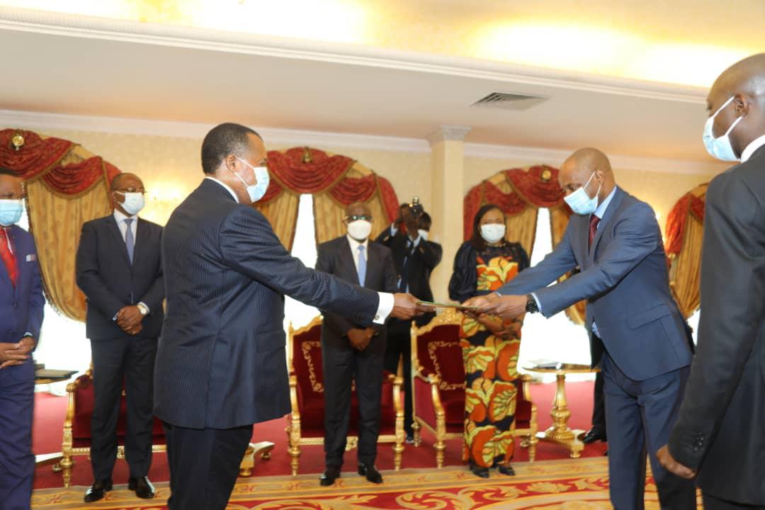 Denis #SASSOU Nguesso reçoit les lettres de créances de deux nous ambassadeurs