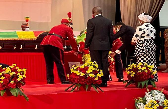 Denis SASSOU Nguesso rend hommage à Justin Koumba