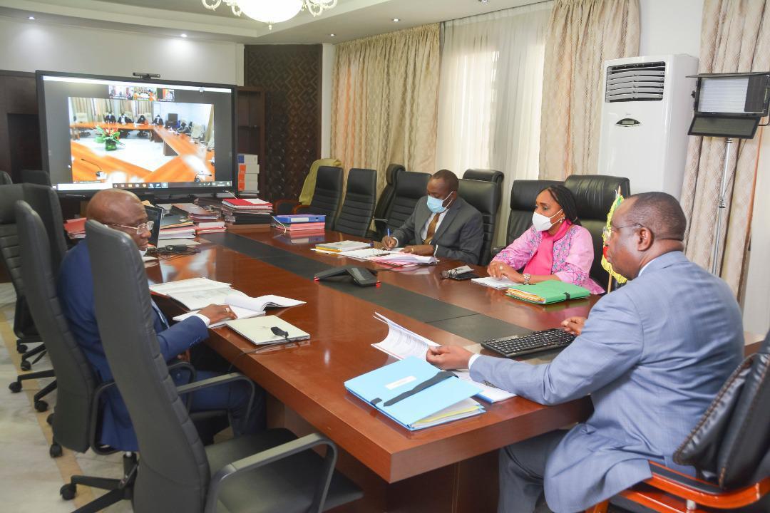 Finances. Le gouvernement planche sur le budget exercice 2022