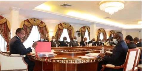 Réunion du Conseil des ministres en présentiel sous l'autorité de Denis #Sassou N'Guesso