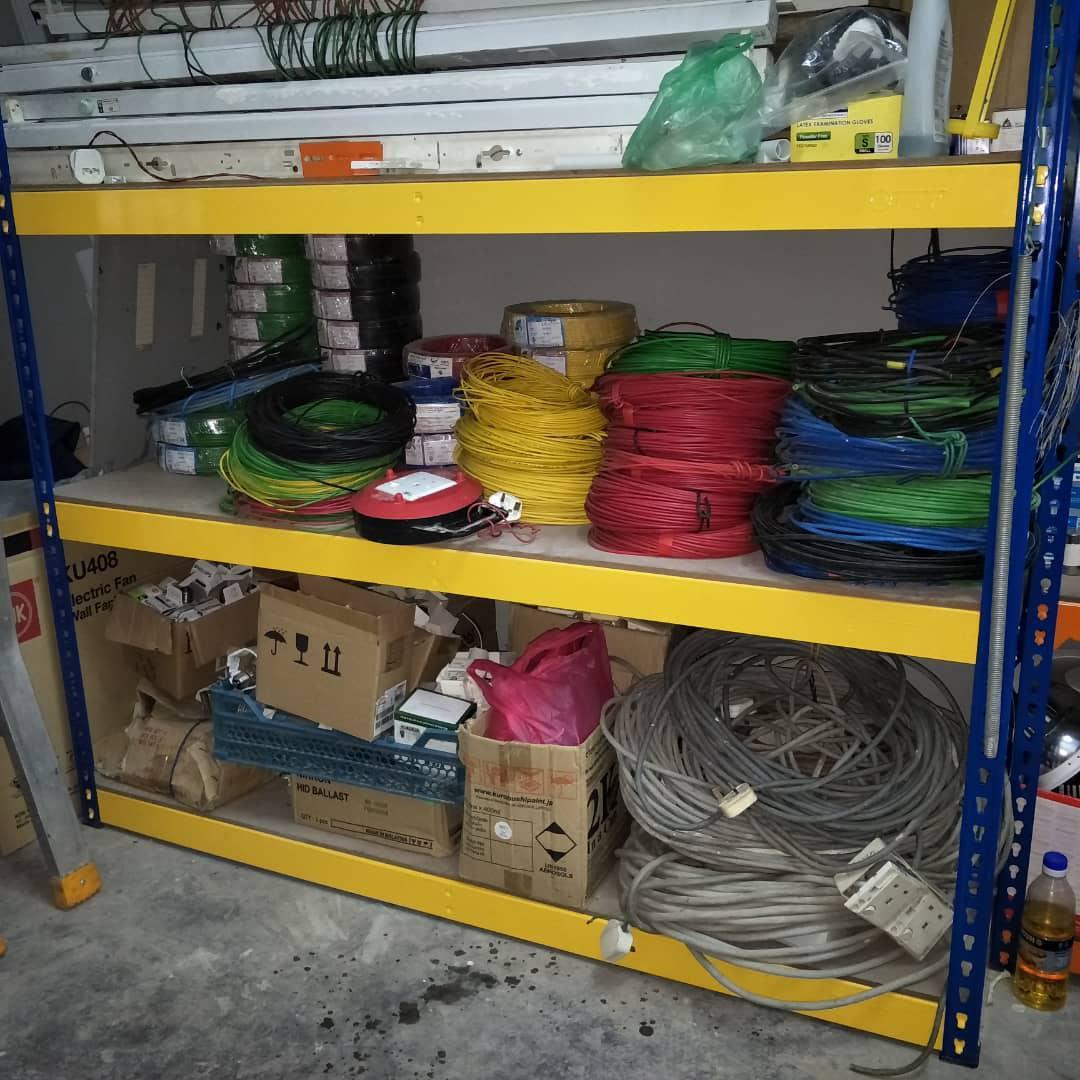 One Wan Kontraktor Elektrik Dan Binaan