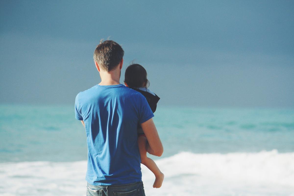 Congé paternité : ce qui va changer à partir du 1er juillet 2021 !