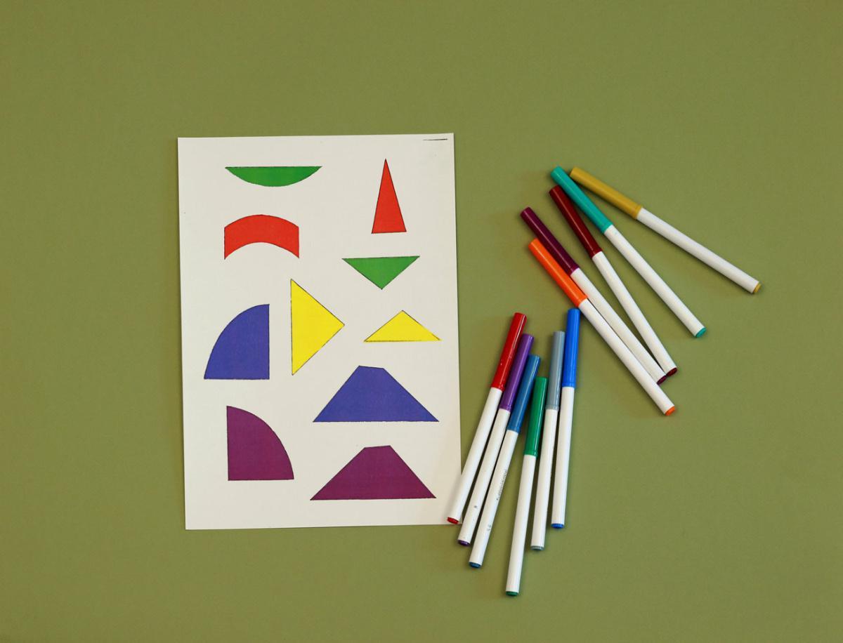 Joue au tangram
