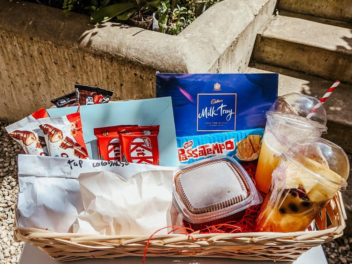 Breakfast Basket (2 people) - €75
