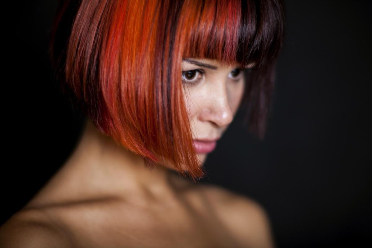 Quel est l'influence des traitements capillaires sur les résultats d'une analyse de cheveux?