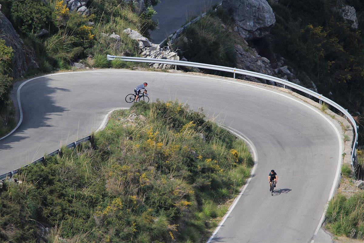 Sa Calobra cyclists