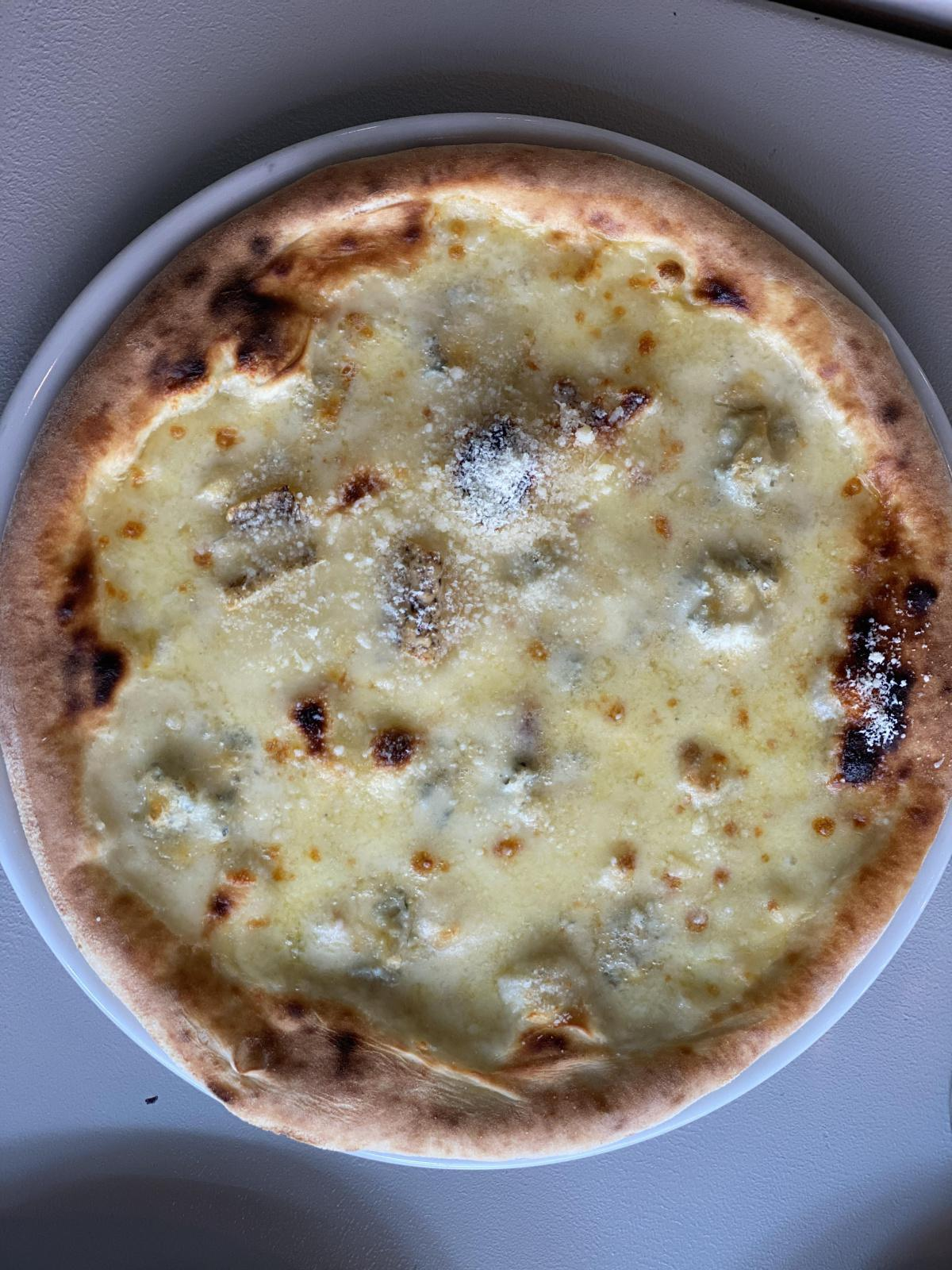 Pizza Quattro formaggi