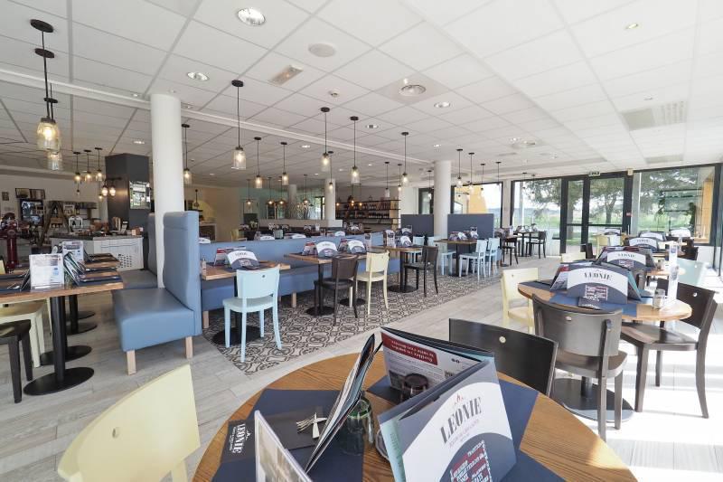 Hôtel Restaurant The Originals Millau Sud 🛩 LFCM MILLAU LARZAC
