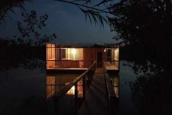 Eco-domaine Coucoo Grands Cépages, cabanes sur l'eau.