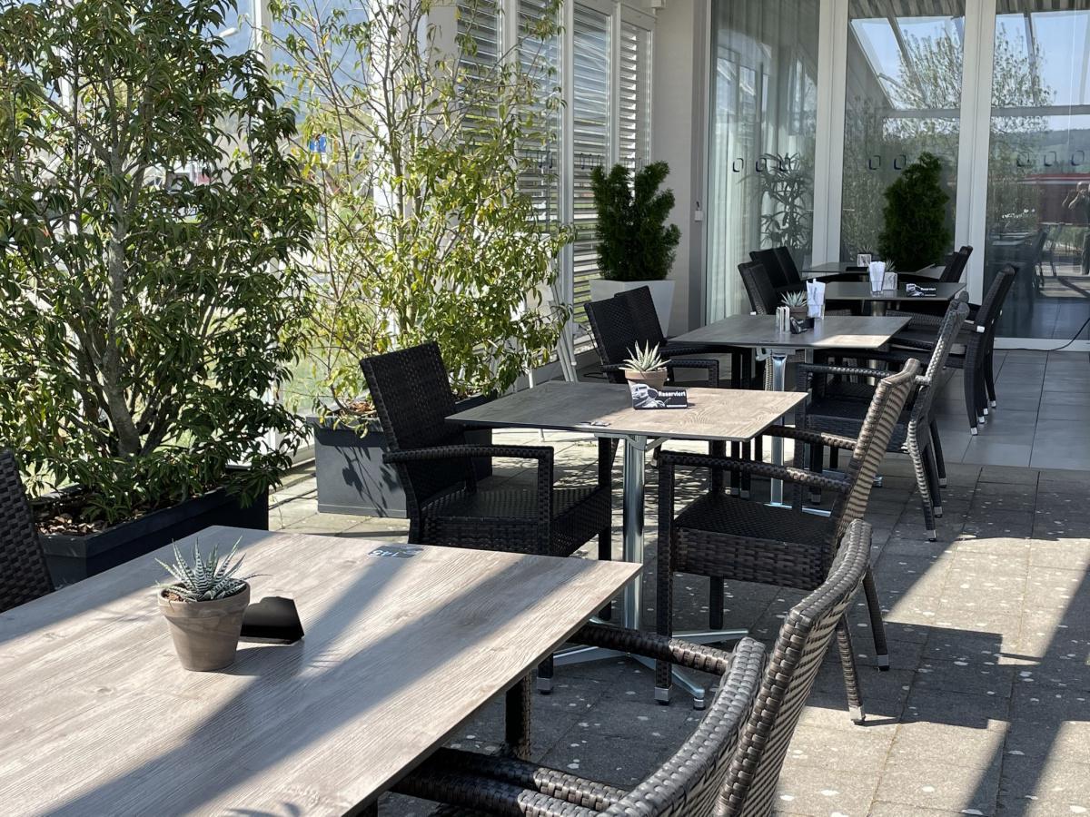 Airporthotel & Restaurant 🛩 LSZG GRENCHEN