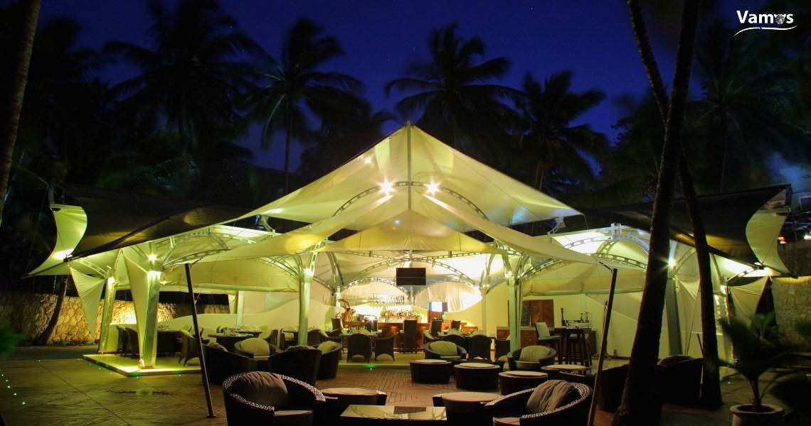 Sails Beach Bar & Restaurant