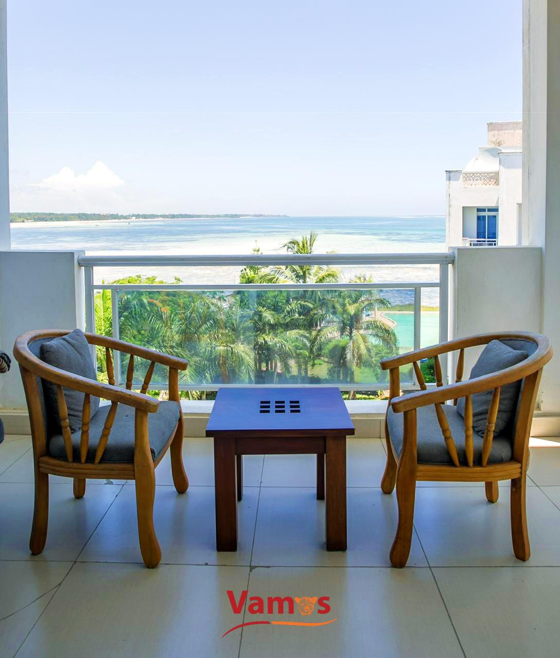 Stay in this Luxurious Oceanfront apartment from 2659 Per Person!