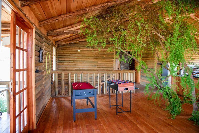 Olelek Ranch House 2499 Deal - A log cabin in the Bush!