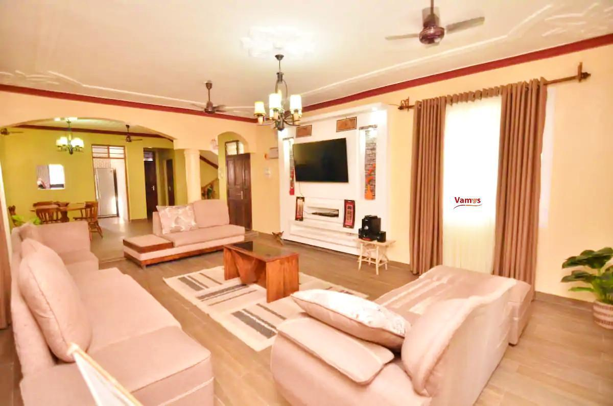 Stay in this Executive All-Ensuite 4 Bedroom maisonette in Shanzu Mombasa from only 1899 Per person!