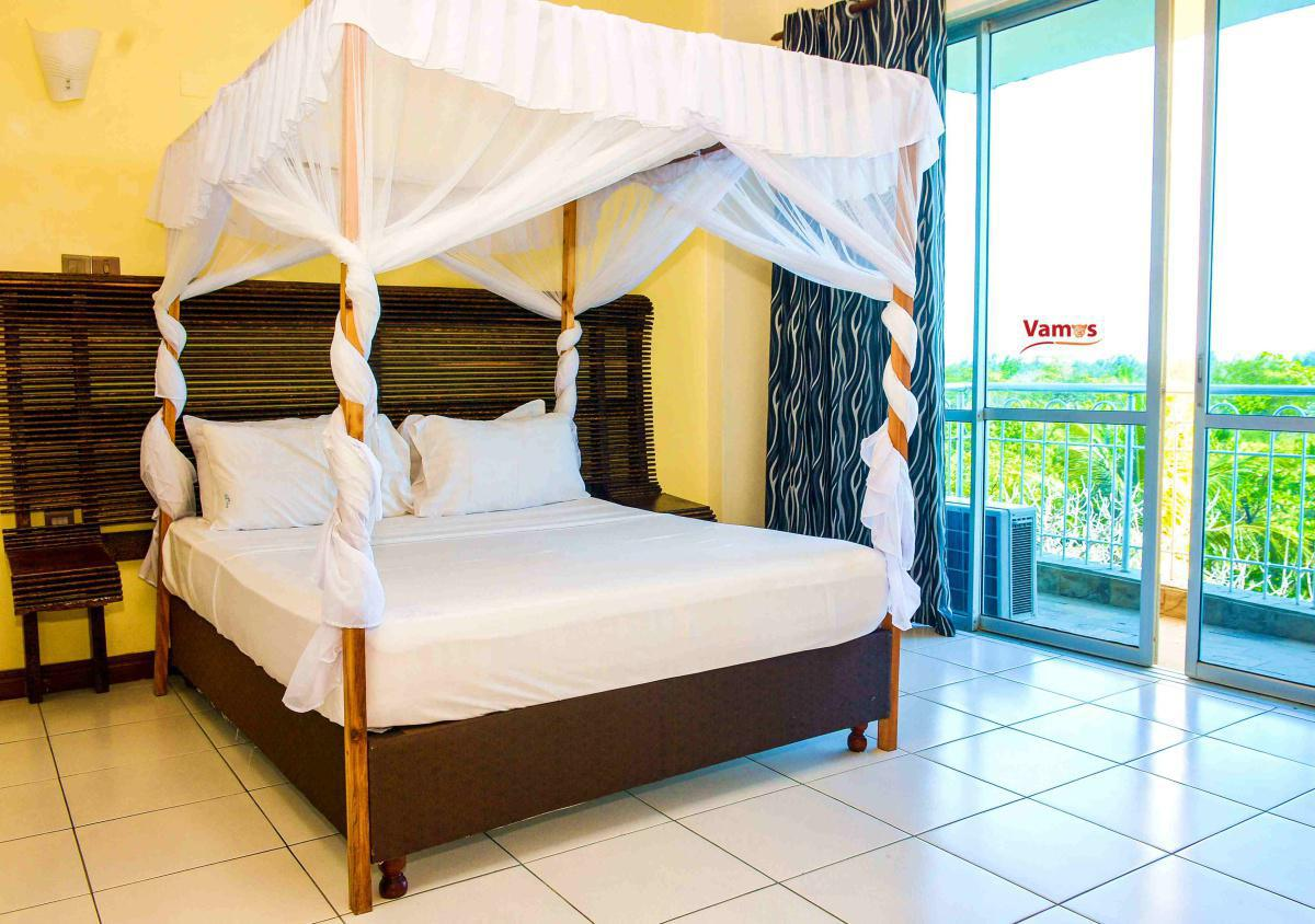 Stay in a Luxury beachfront in Mombasa apartment from 2199 Per person!