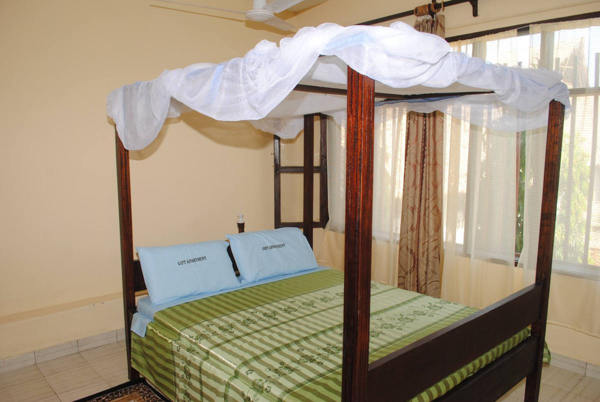 Gift Guest House Ensuite Rooms: Stay from 1299 Per Person!
