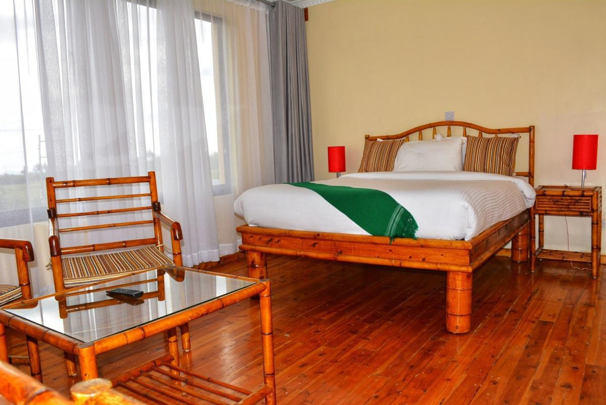 Peaks Hotel Experience: Stay from 3799 Per person including Meals!