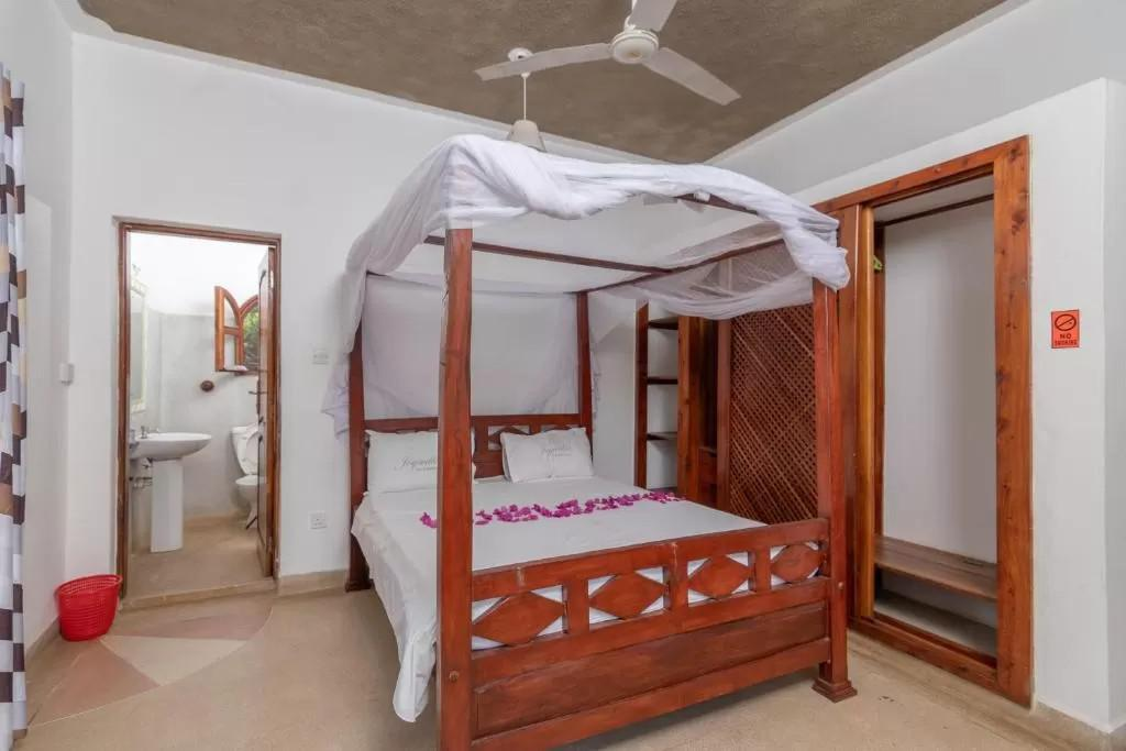 Joysvilla Experience: Stay in this cozy B&B from 1799 Per Person including breakfast!