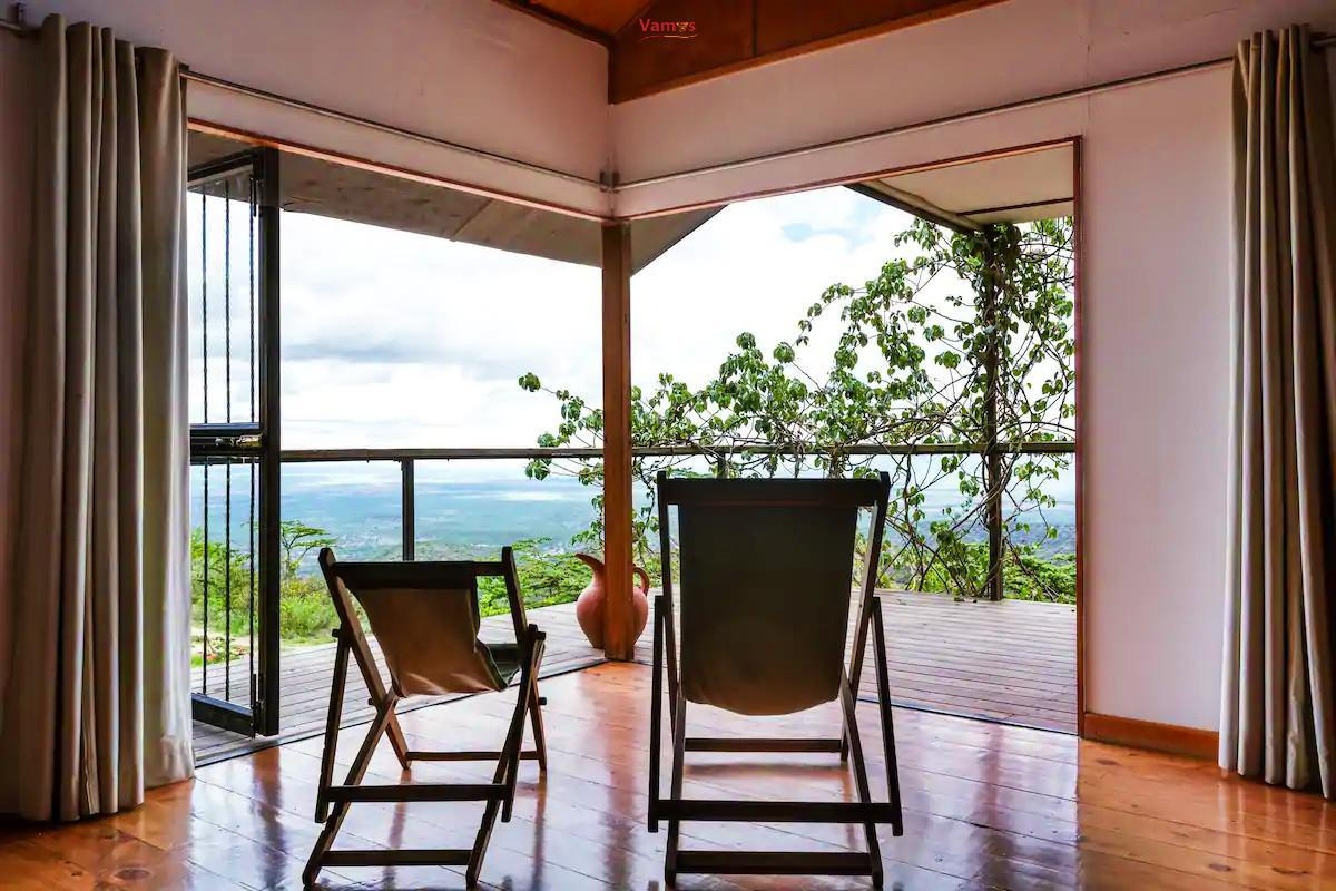 Stay & Experience views in this magnificent house from 3450 per person!
