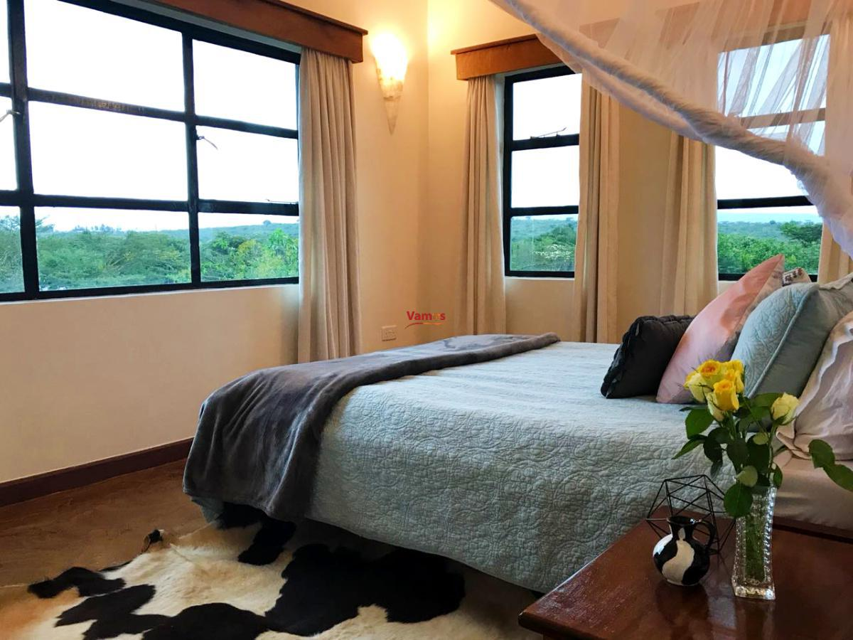 Stay & Swim in this 4-bedroom all en-suite house in Nakuru from 4650 per person!