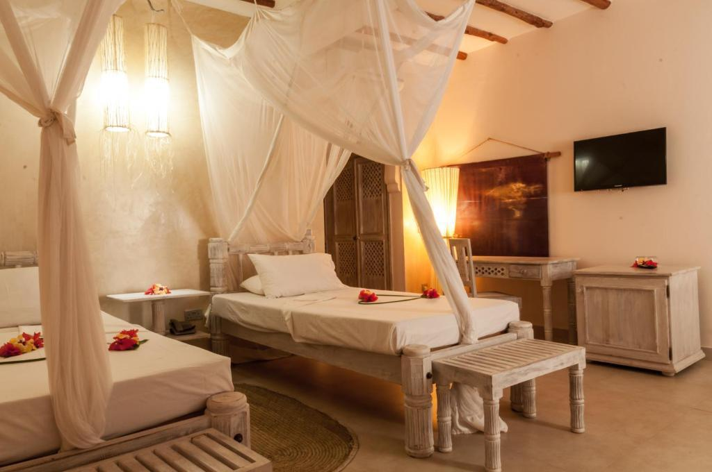 Seven Island Resort Experience: Stay from 4459 Per Person including meals!
