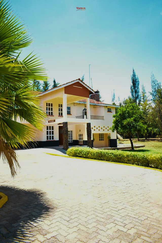 The Exotic Experience: Stay in this fantastic mansion from 1999 Per person!