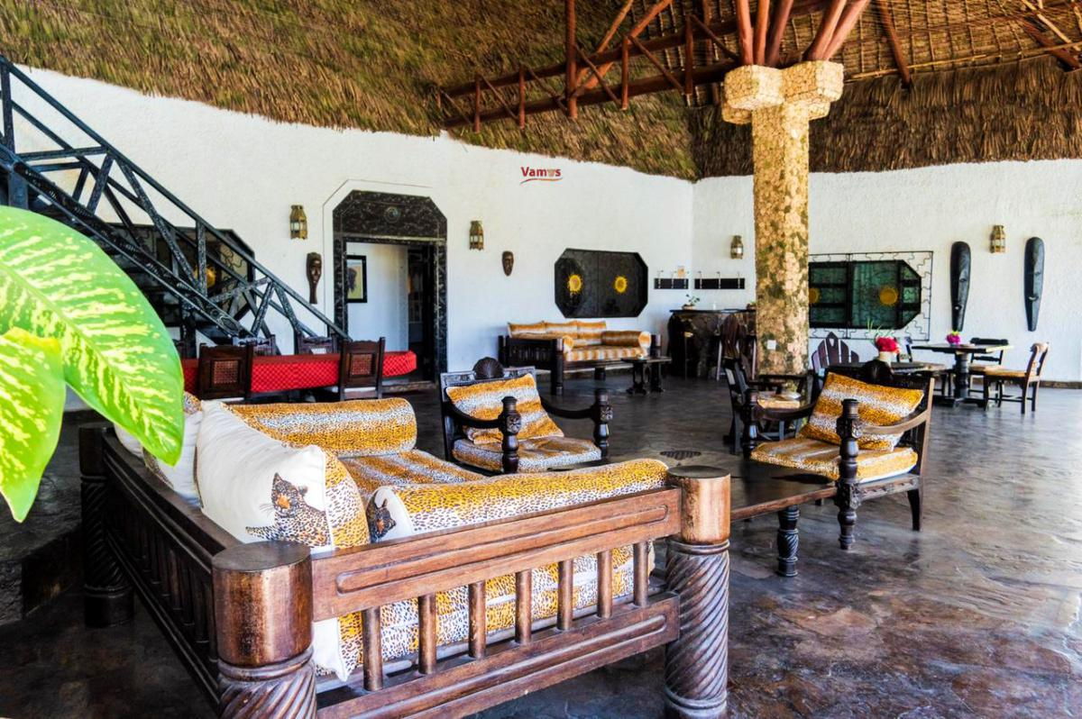 The Jua Experience: Stay in this Luxurious private villa from 1699 Per Person!