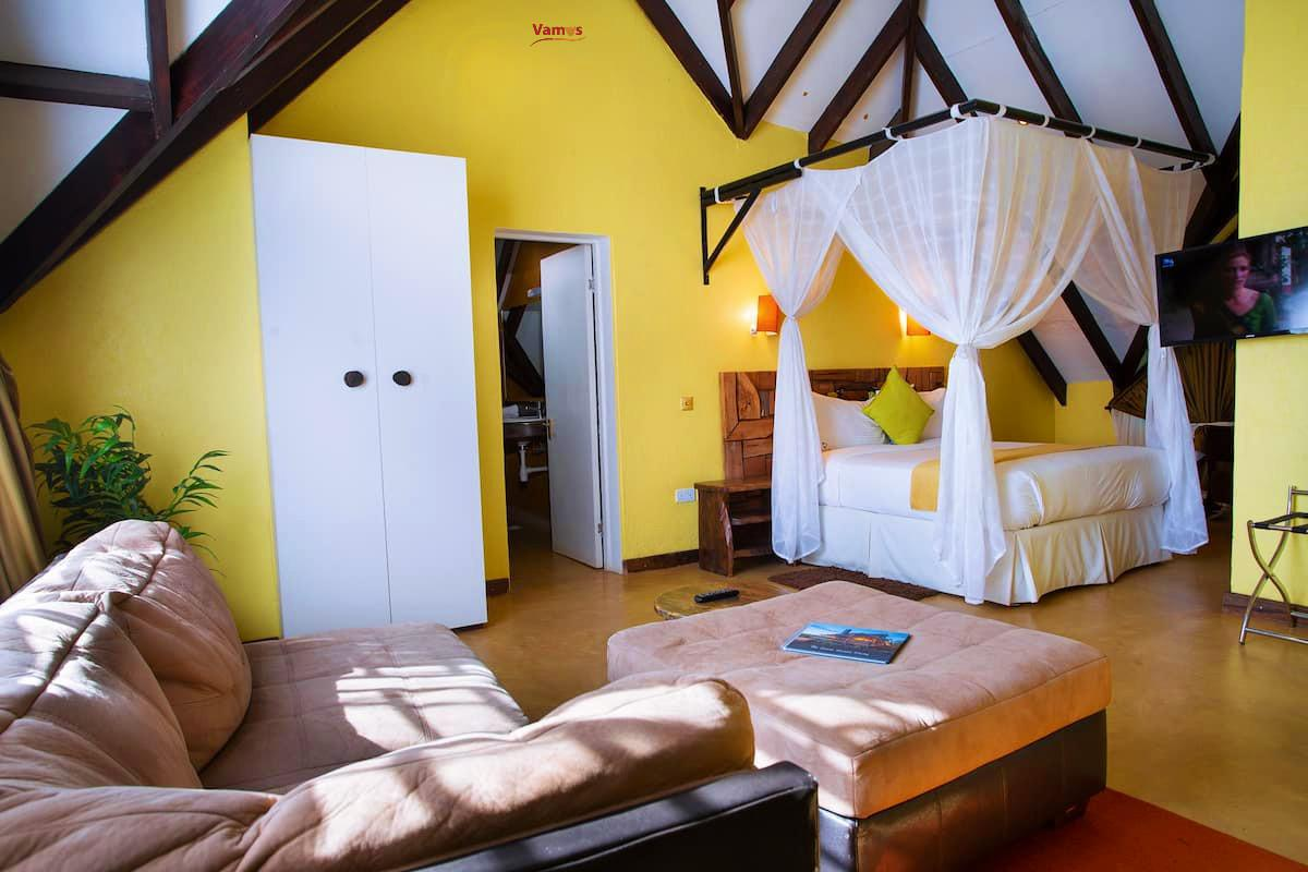 Isaac's Experience: Stay in this Rustic Country house from 3129 Per Person!