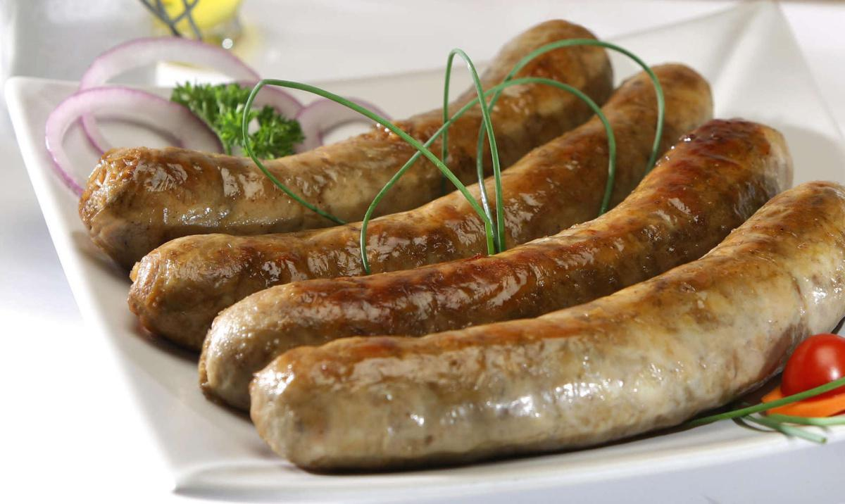 Grilled AAAAA Troyes sausage with Bearnaise sauce