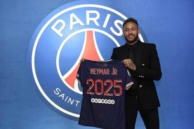 Officiel : Neymar prolonge jusqu'en 2025