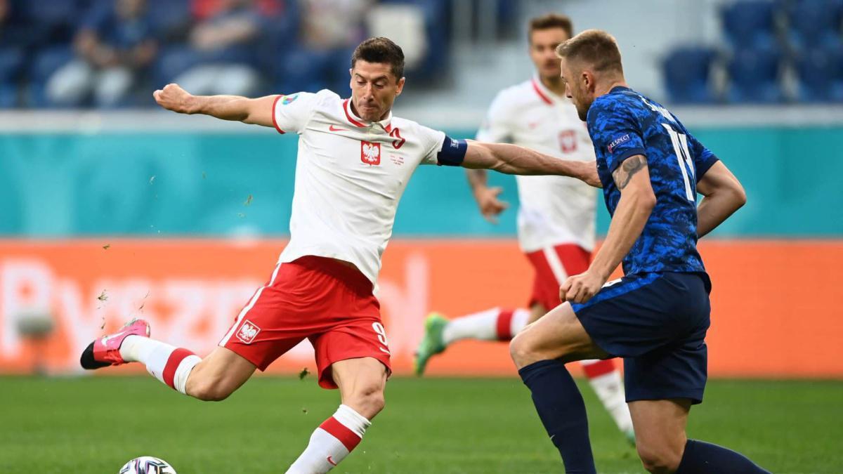 Euro 2020: Lewandowski et ses coéquipiers chutent d'entrée face à la Slovaquie