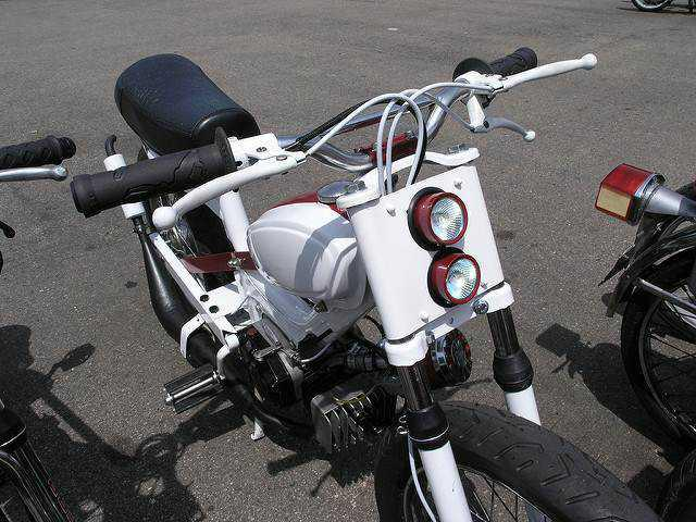 The Rise in Popularity of Moped Cafe Racer in Modern Society