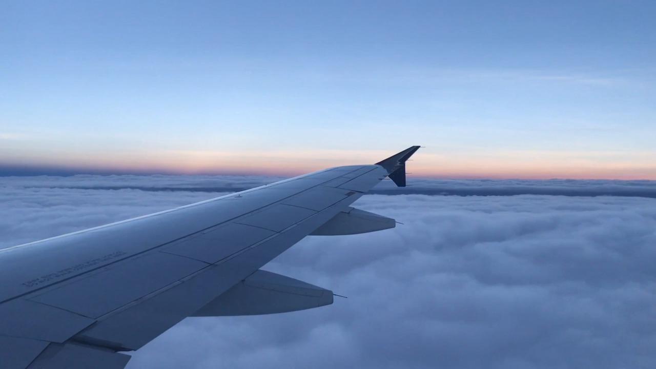 avion nubes