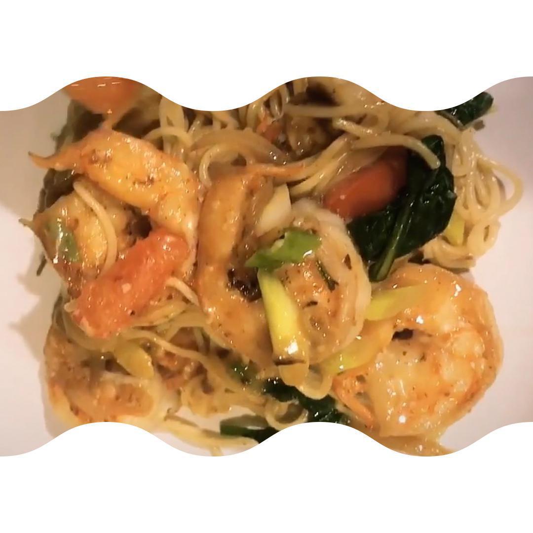 Creamy Garlic Shrimp With Angel Hair & Balsamic Glaze
