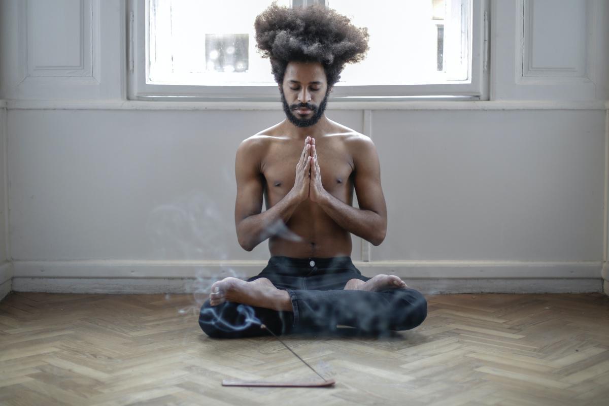 Darf man als Buddhist Yoga machen?