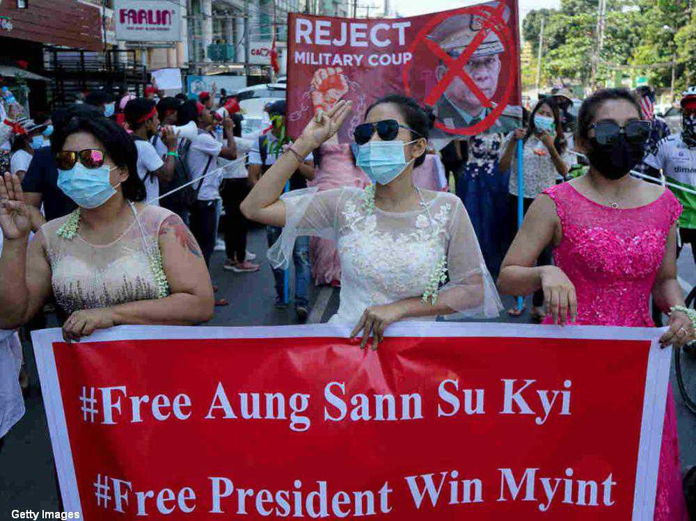 Myanmar military extends detention of Aung Sang Suu Kyi