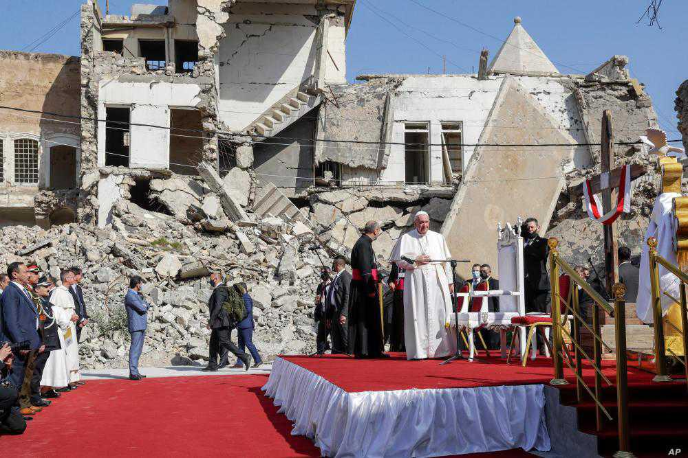 Pope prays amid ruins of Iraqi churches destroyed by 'Islamic State'