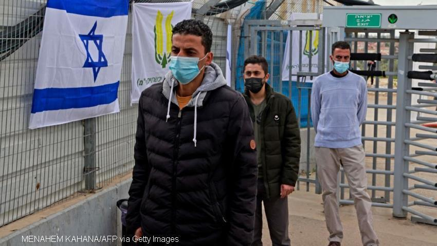 Israel extends vaccination drive to Palestinian workers