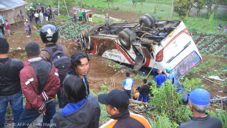 Tragedy in Indonesia after bus carrying pilgrims crashes, killing 27