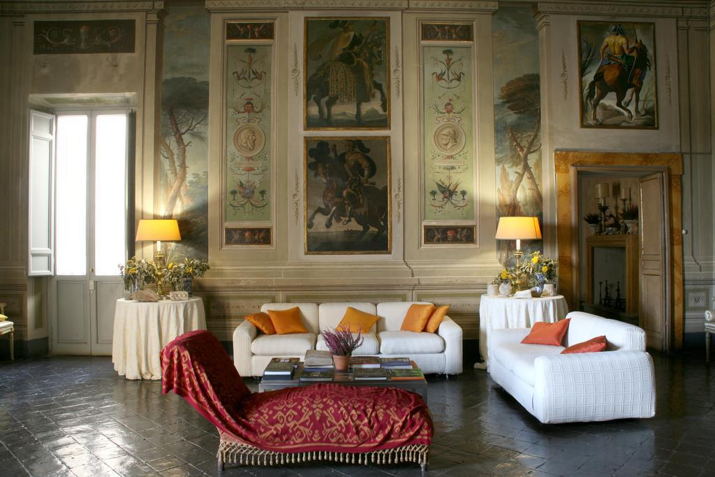 Palast der Grafen Cozza Caposavi