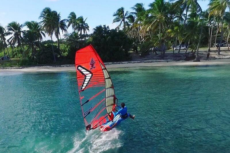 Les sports nautiques à pratiquer dans le lagon
