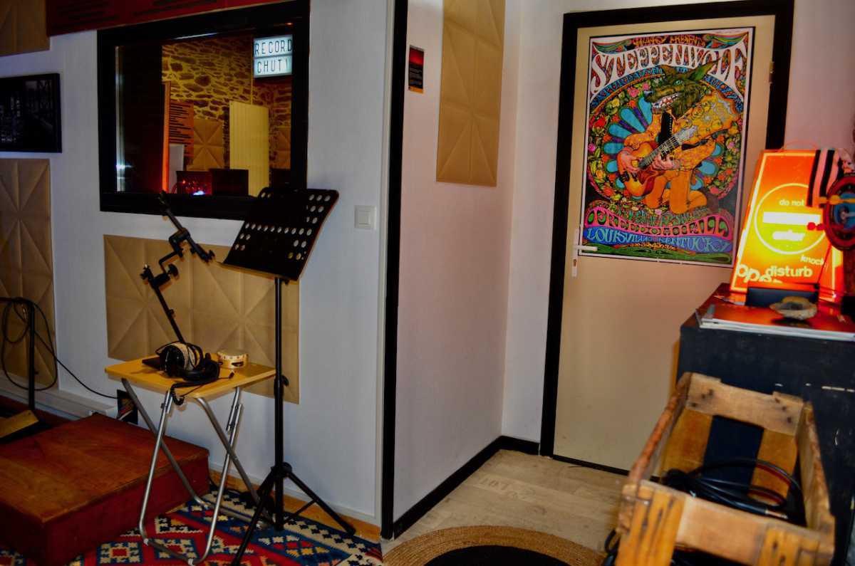 Technical sheet, recording studio equipment