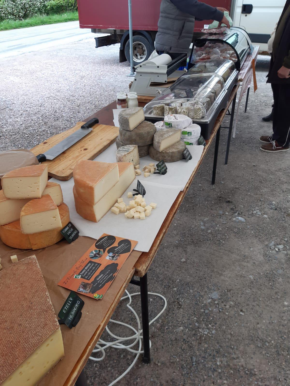 1er marché de producteurs à Vailly