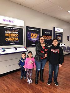 La Mega 97.7 FM en Control Remoto en Metro PCS