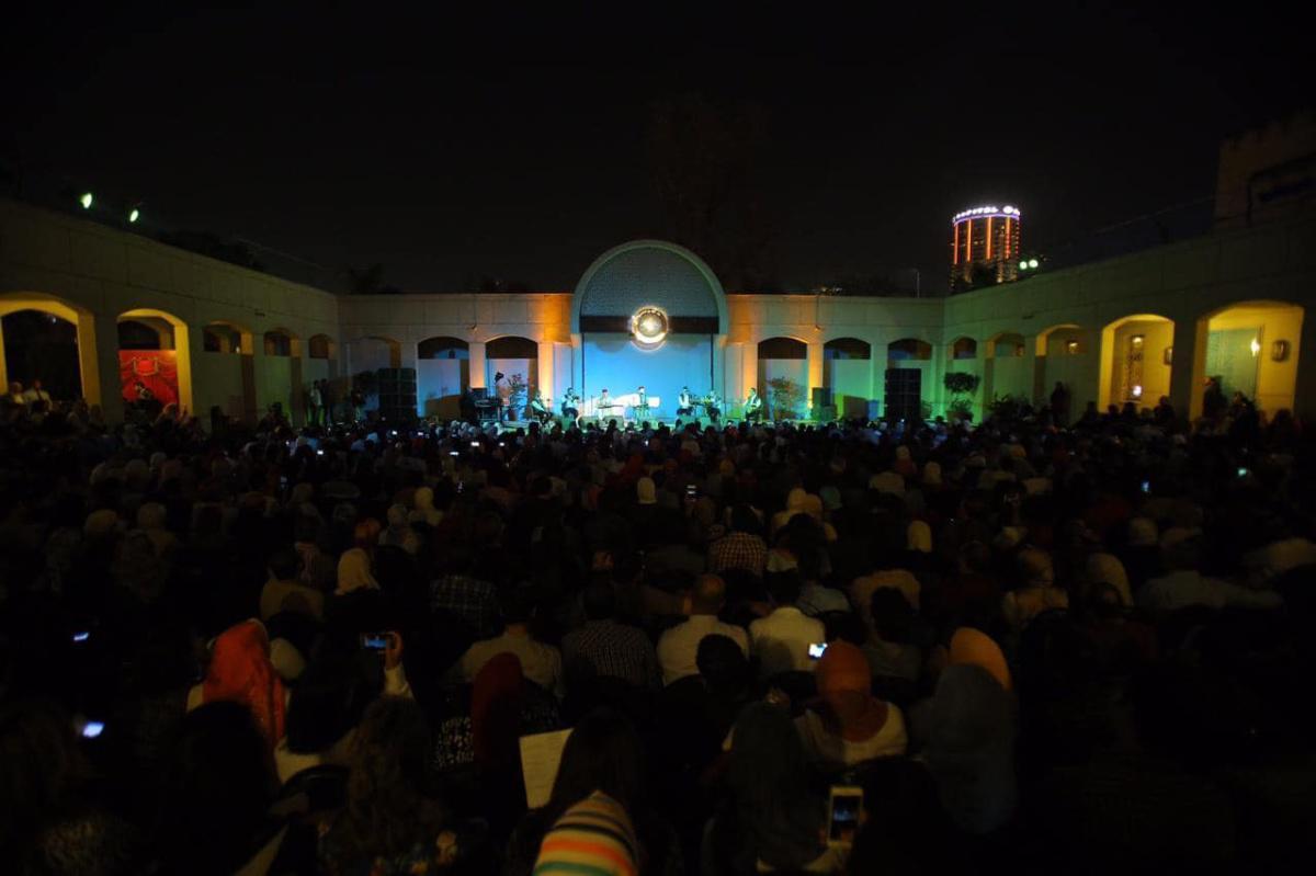 """فرقة """"ابن عربي"""" للإنشاد والسماع الصوفي تسافر بجمهور القاهرة إلى رحاب موسيقى الذوق والروح"""